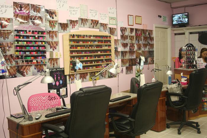 Hollywood nails waxing nail salon haverhill ma for 24 hour nail salon in atlanta ga